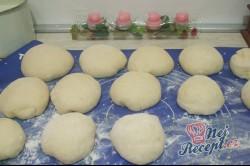 Příprava receptu Langoše se šunkou a sýrem, krok 2