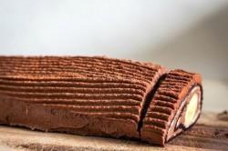 Příprava receptu Čokoládová roláda s banánem, krok 6