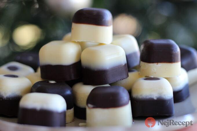 Recept Dvoubarevné čokoládové pralinky plněné višní z griotky