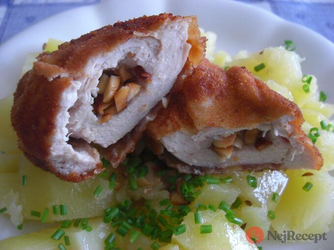 Recept Kuřecí řízky plněné mandlemi