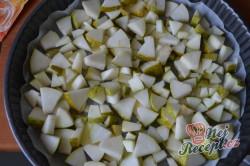 Příprava receptu Obrácený hruškový koláč - ovocný koláček našich babiček, krok 2