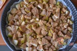 Příprava receptu Obrácený hruškový koláč - ovocný koláček našich babiček, krok 3