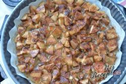Příprava receptu Obrácený hruškový koláč - ovocný koláček našich babiček, krok 4
