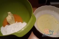 Příprava receptu Makový hrníčkový koláč v starodávné kameninové formě, krok 2