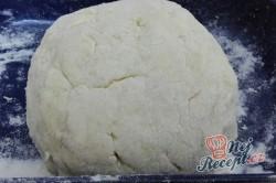 Příprava receptu Jahodové koule z bramborového těsta s osmaženou strouhankou, krok 6
