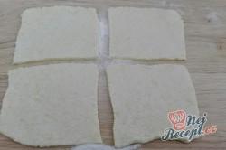 Příprava receptu Jahodové koule z bramborového těsta s osmaženou strouhankou, krok 7