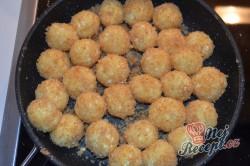 Příprava receptu Líné tvarohové knedlíčky obalené ve strouhance, krok 3