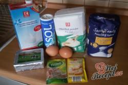Příprava receptu Věneček z kynutého těsta posypaný cukrem, krok 1