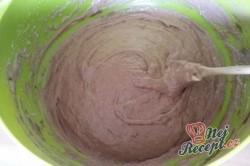 Příprava receptu Kakaový kynutý koláč s tvarohem - falešná prošívaná deka, krok 5