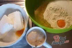 Příprava receptu Kakaový kynutý koláč s tvarohem - falešná prošívaná deka, krok 2