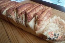 Příprava receptu Skořicový trhanec v hranaté formě - luxusní porkm namísto pizzy k večernímu filmu, krok 10
