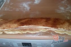 Příprava receptu Skořicový trhanec v hranaté formě - luxusní porkm namísto pizzy k večernímu filmu, krok 7
