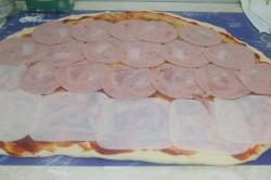Příprava receptu Pizzovníky z kynutého těsta, za kterými se pouze zapráší, krok 5