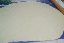 Příprava receptu Pizzovníky z kynutého těsta, za kterými se pouze zapráší, krok 3