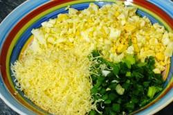 Příprava receptu Výborné karbanátky se sýrem a vajíčkem, krok 1