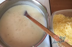 Příprava receptu Těstoviny s kuřecím masem a sýrovou omáčkou, krok 6