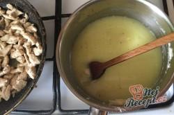 Příprava receptu Těstoviny s kuřecím masem a sýrovou omáčkou, krok 5