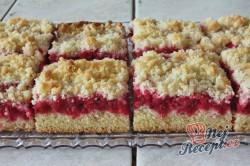 Příprava receptu Rybízový koláček s malinami našich babiček, krok 2