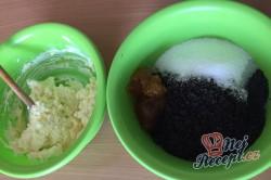 Příprava receptu Kynutý koláč s mákem, meruňkami a tvarohem, krok 5