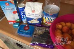 Příprava receptu Kynutý koláč s mákem, meruňkami a tvarohem, krok 4