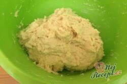 Příprava receptu Kynutý koláč s mákem, meruňkami a tvarohem, krok 3