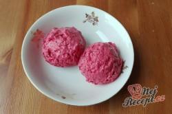 Příprava receptu Zdravý mražený jahodový jogurt/zmrzlina, připraveno za 5 minut ze 4 surovin, krok 4