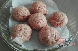 Příprava receptu Šťavnaté karbanátky ve smetanové omáčce v troubě, krok 1
