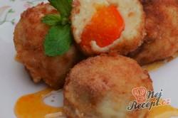 Příprava receptu Tvarohové kuličky plněné s meruňkami, krok 7