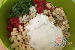 Příprava receptu Těstovinový salát se sýrem čedar, krok 6
