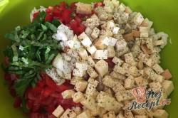 Příprava receptu Těstovinový salát se sýrem čedar, krok 5