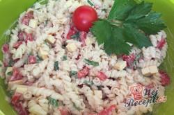 Příprava receptu Těstovinový salát se sýrem čedar, krok 7