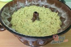Příprava receptu Cuketová bábovka s ořechy, krok 5