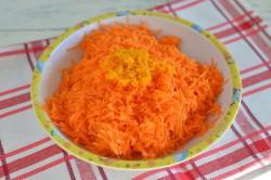 Příprava receptu Zdravější dezert - Mrkvový dort s citronovou polevou, krok 1