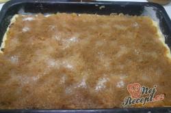 Příprava receptu Jablečný koláč s kokosovou nadýchanou peřinkou, krok 4