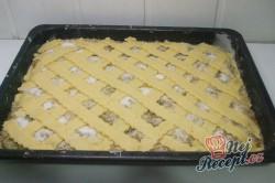 Příprava receptu Jablečný koláč s kokosovou nadýchanou peřinkou, krok 7