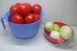 Příprava receptu Domácí rajčatový základ na pizzu, krok 1