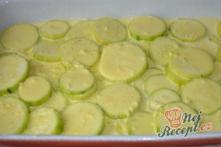 Příprava receptu Pečená cuketa ve smetanové omáčce, krok 4