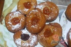 Příprava receptu Domácí koblihy s malinovou pěnou, krok 6