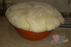 Příprava receptu Domácí koblihy s malinovou pěnou, krok 1
