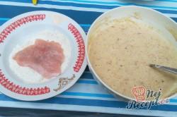 Příprava receptu Krůtí prsa v jablečném těstíčku, krok 2