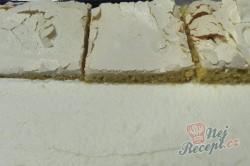 Příprava receptu Fenomenální malinové pokušení se šlehačkou, krok 2