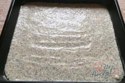 Příprava receptu Cuketový koláč s mákem a citrónovou polevou, krok 8