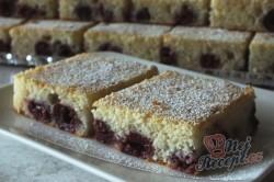 Příprava receptu Fantastický kefírový koláček s třešněmi, krok 1