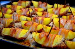 Příprava receptu Brambory v slaninovém županu, krok 6