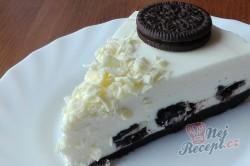 Příprava receptu Oreo cheesecake připraven za 30 minut bez pečení, krok 2