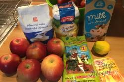 Příprava receptu Jablečný sypaný koláček s dětskou krupicí připraven za 5 minut, krok 1
