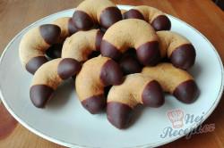 Příprava receptu Medové rohlíčky máčené v čokoládě - FOTOPOSTUP, krok 9