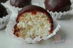Příprava receptu Famózní kokosové BOUNTY čoko-kuličky, krok 2
