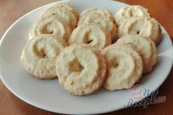 Příprava receptu Vanilkové vánoční cukroví máčené v bílé čokoládě, krok 1