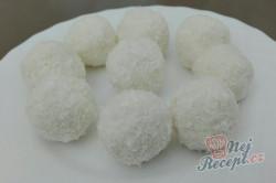 Příprava receptu FITNESS RAFAELO kuličky bez mouky a cukru, krok 2